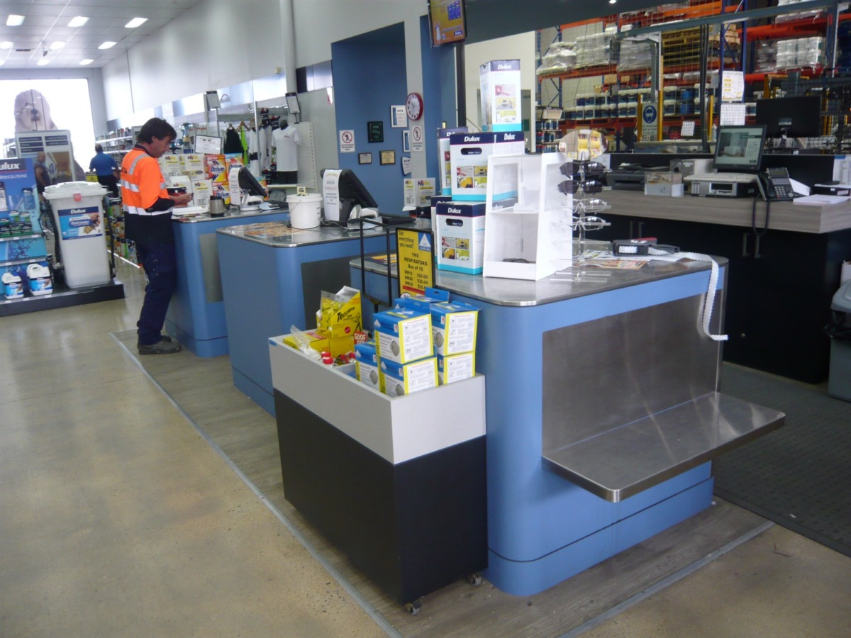 Hardware store counter and dumpbin