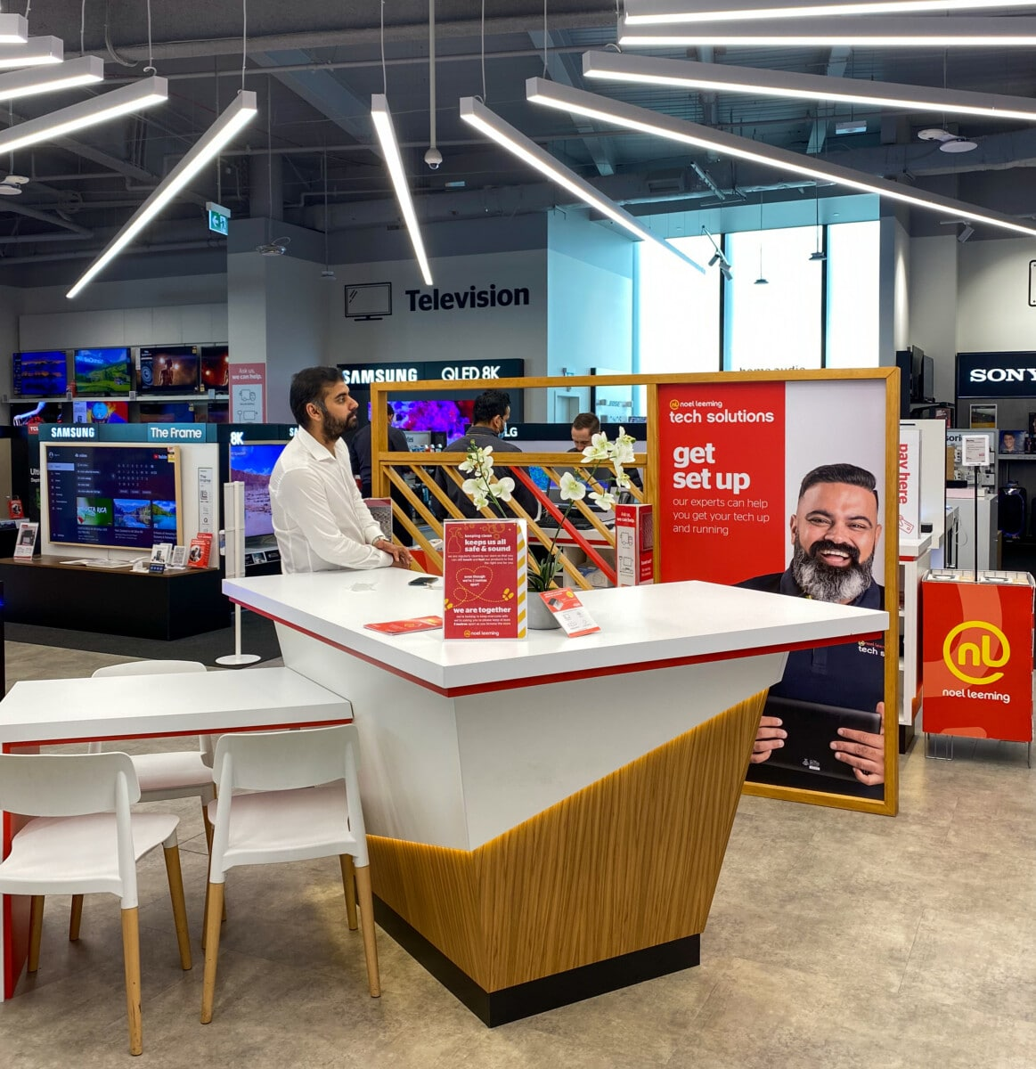 Customer service table for tech store